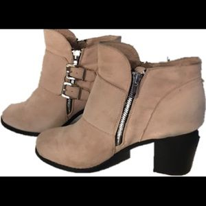 Torrid Ankle Boots Size 9W Tan Style L6052-31
